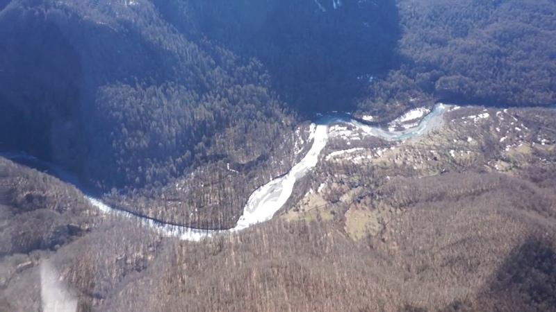 Полет над Абхазией в высокогорное село Псху с Вячеславом Хромых
