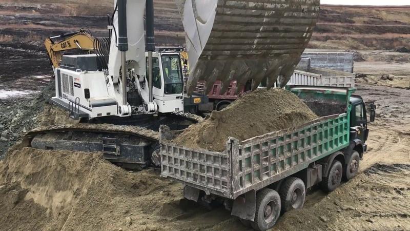 Liebherr 984 Excavator - 35 Minutes Loading Non Stop