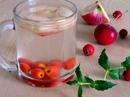 Напиток из боярышника с яблоком