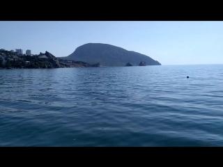 Тишь да гладь Черного моря. Гурзуф. Полный штиль.