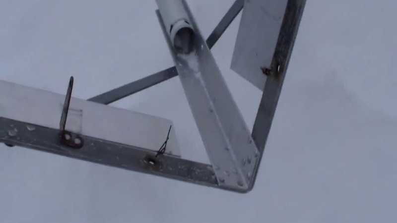 как убрать снег с крыши теплиц,навесов