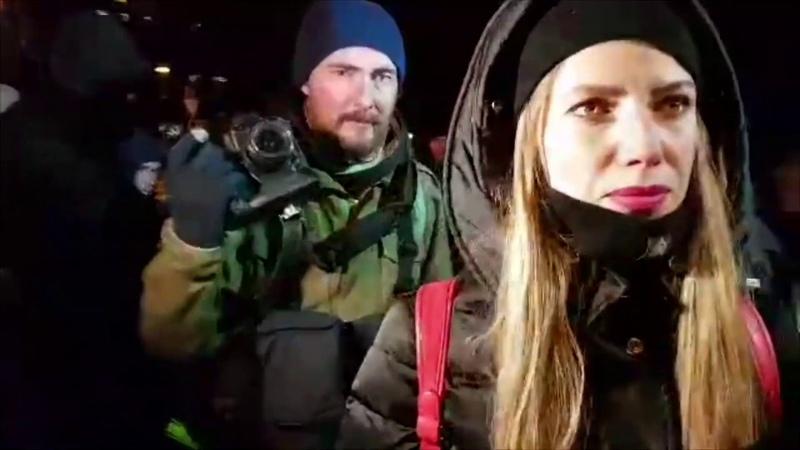 Обыски факелы и дымовые шашки Как прошло шествие бывших майдановцев к МВД Страна ua