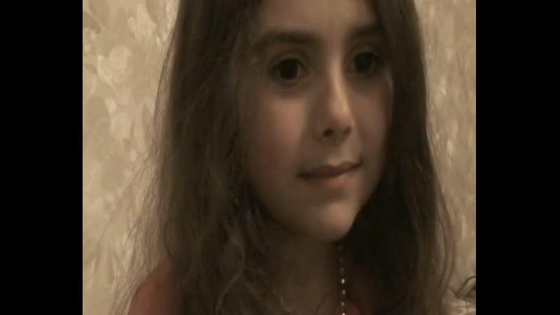 Дочь Анжелина 5 9 лет смотрит на себя в 5 месяцев