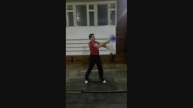 Live Жонглирование гирями