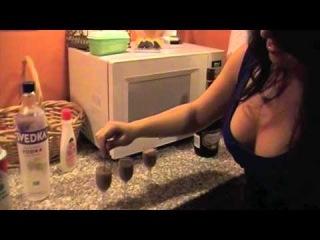 Girls nite out: Blow Job Shots