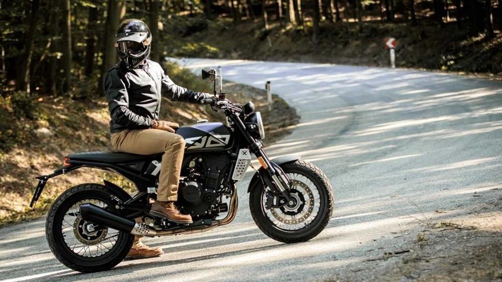 Новый мотоцикл Brixton Crossfire 500
