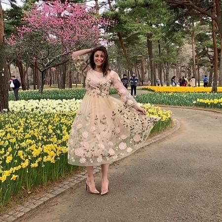 """Анастасия Макеева on Instagram """"Обратите внимание на обложку видосика😂😂😂😂Тут так модно ходить 😳😂ножки ставить косолапо,даже если от природы нет с ..."""