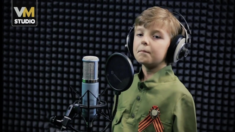 Елисей Илюшкин -- Русский парень