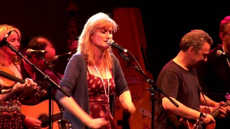 Eddi Reader - Charlie is my darlin - East Lothian Homecoming - Skateraw Concert