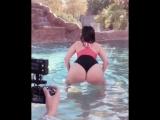 Alycia Starr шлепает сочными упругими булками по воде не порно секси сиськи попка