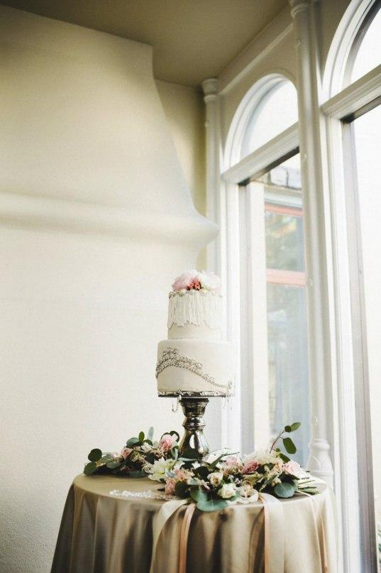 04wbJ9vAtOQ - Золотые и серебряные свадебные торты 2016 (70 фото)