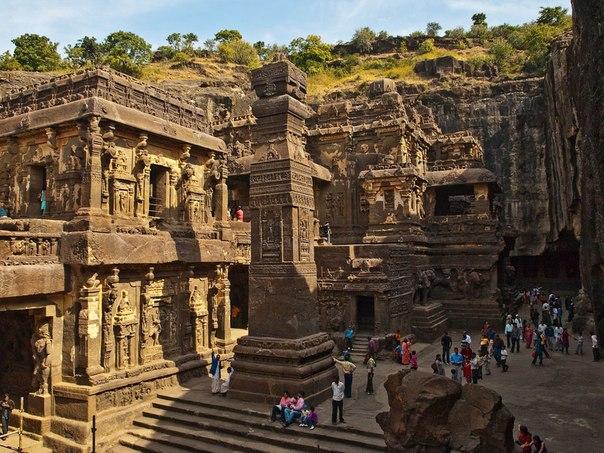 Храм из скалы