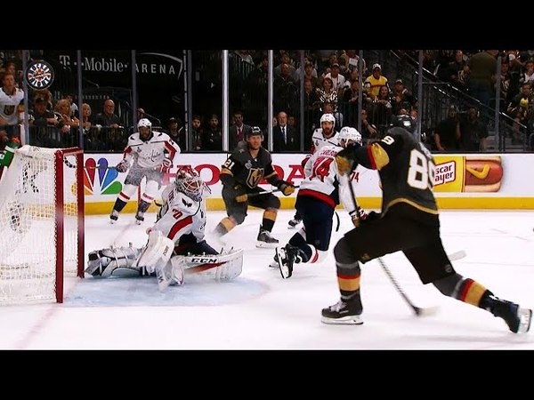 Holtby makes ridiculous stick save on Tuch to preserve lead