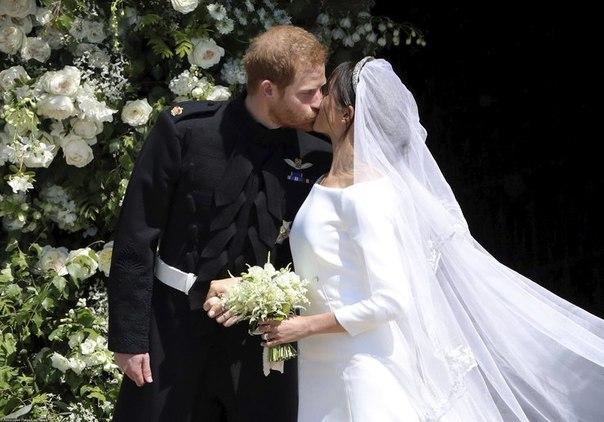 По полочкам: образ Меган Маркл на свадьбе с принцем Гарри