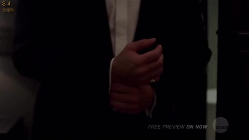 Supernatural 14x02 Dean is fighting Michael