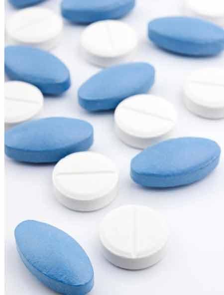 Обезболивающие препараты могут иметь опасные взаимодействия и никогда не должны сочетаться без консультации с врачом