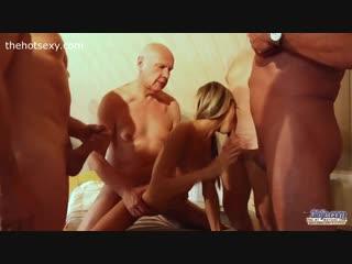 старики ебут молодых порно бесплатно