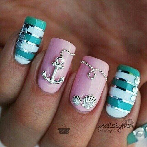 Морской рисунок на ногтях