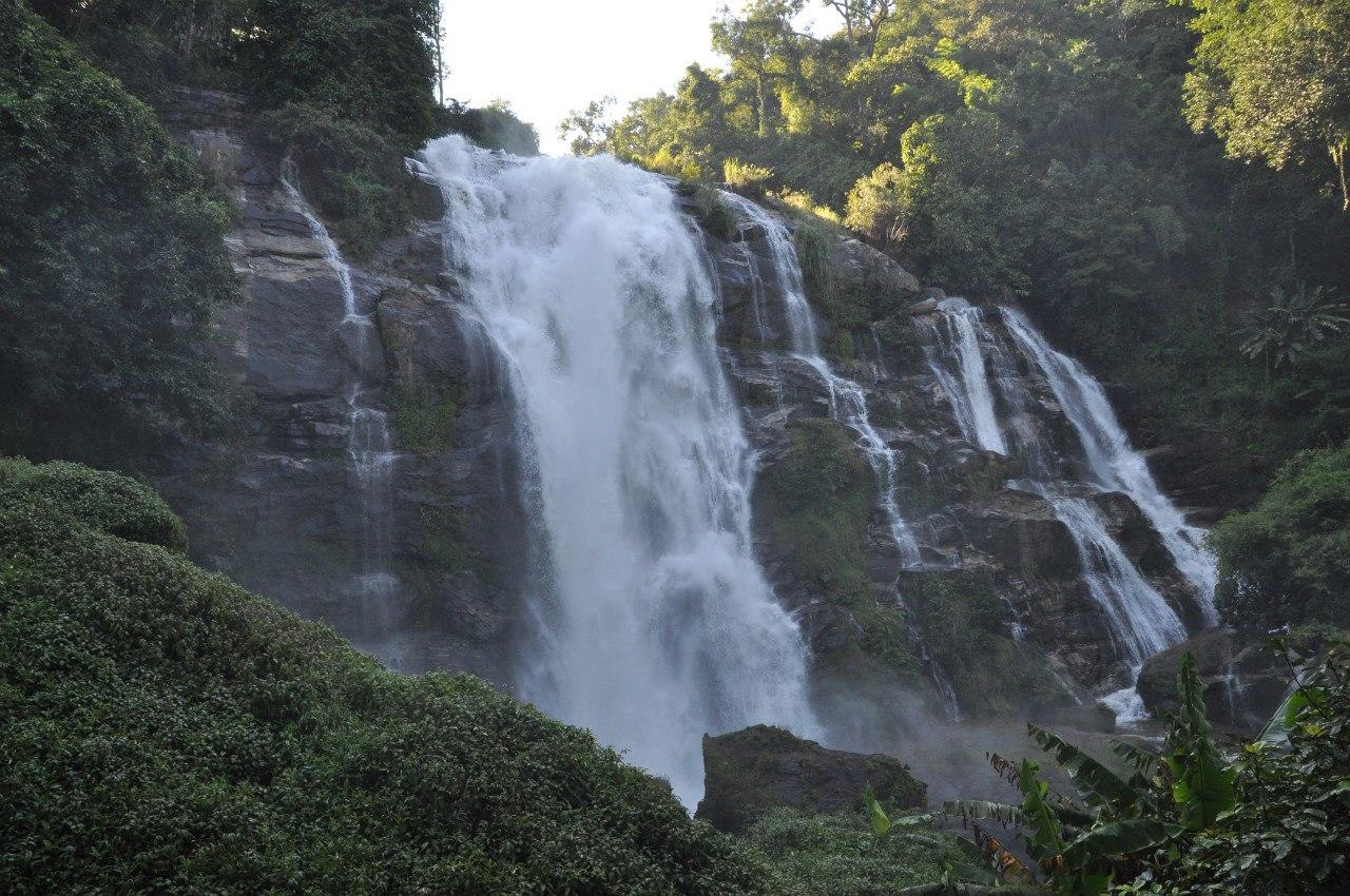 Национальный парк Дойинтханон водопад Wachirathan Falls