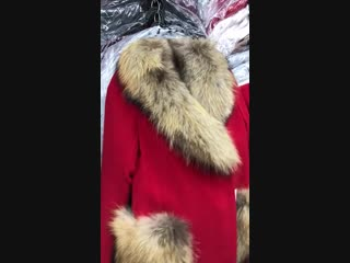 обзор пальто с мехомвыми карманами