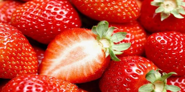 ТОП-9 ЦЕЛЕБНЫХ ЯГОД Ученые - биологи считают, что ягоды содержат множество антиоксидантов, способных противостоять раковым клеткам. В них содержится во много раз больше таких витаминов, как А,