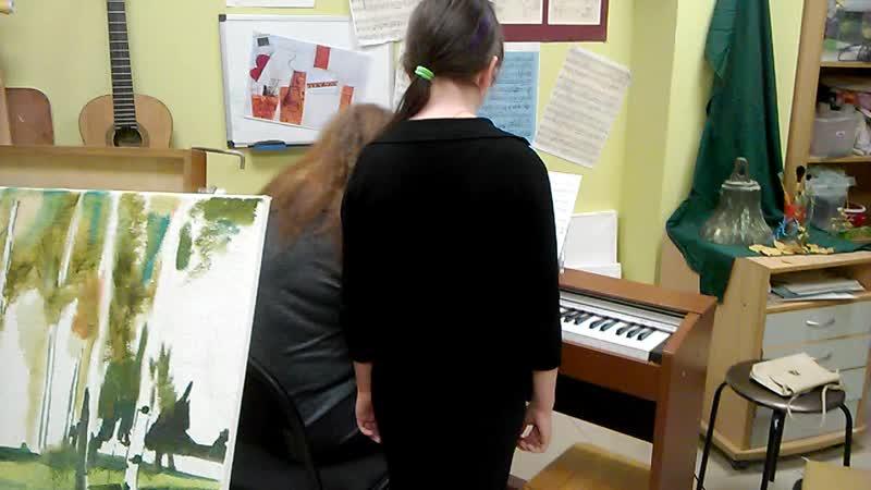 На вокале Коротаева Кристина в Творческой мастерской на Ленина 162-а,44-75-09