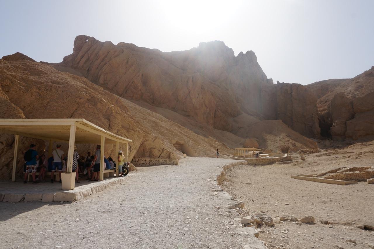 Долина цариц в Луксоре - одно из самых древних кладбищ на земле