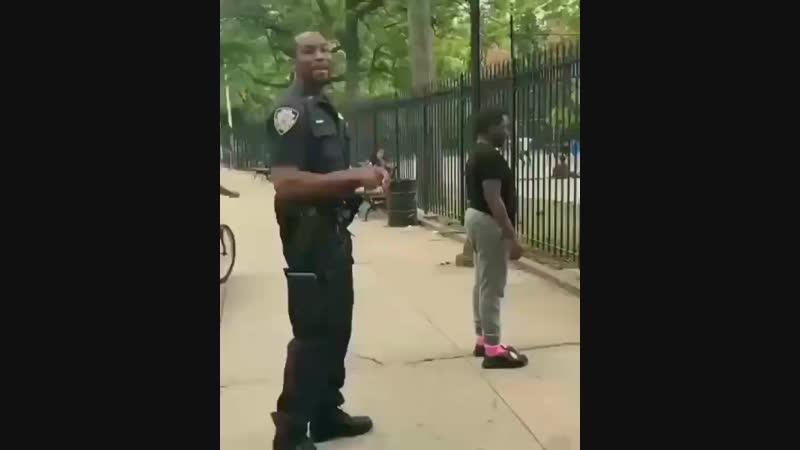 уважение таким добрым и простым полицейским