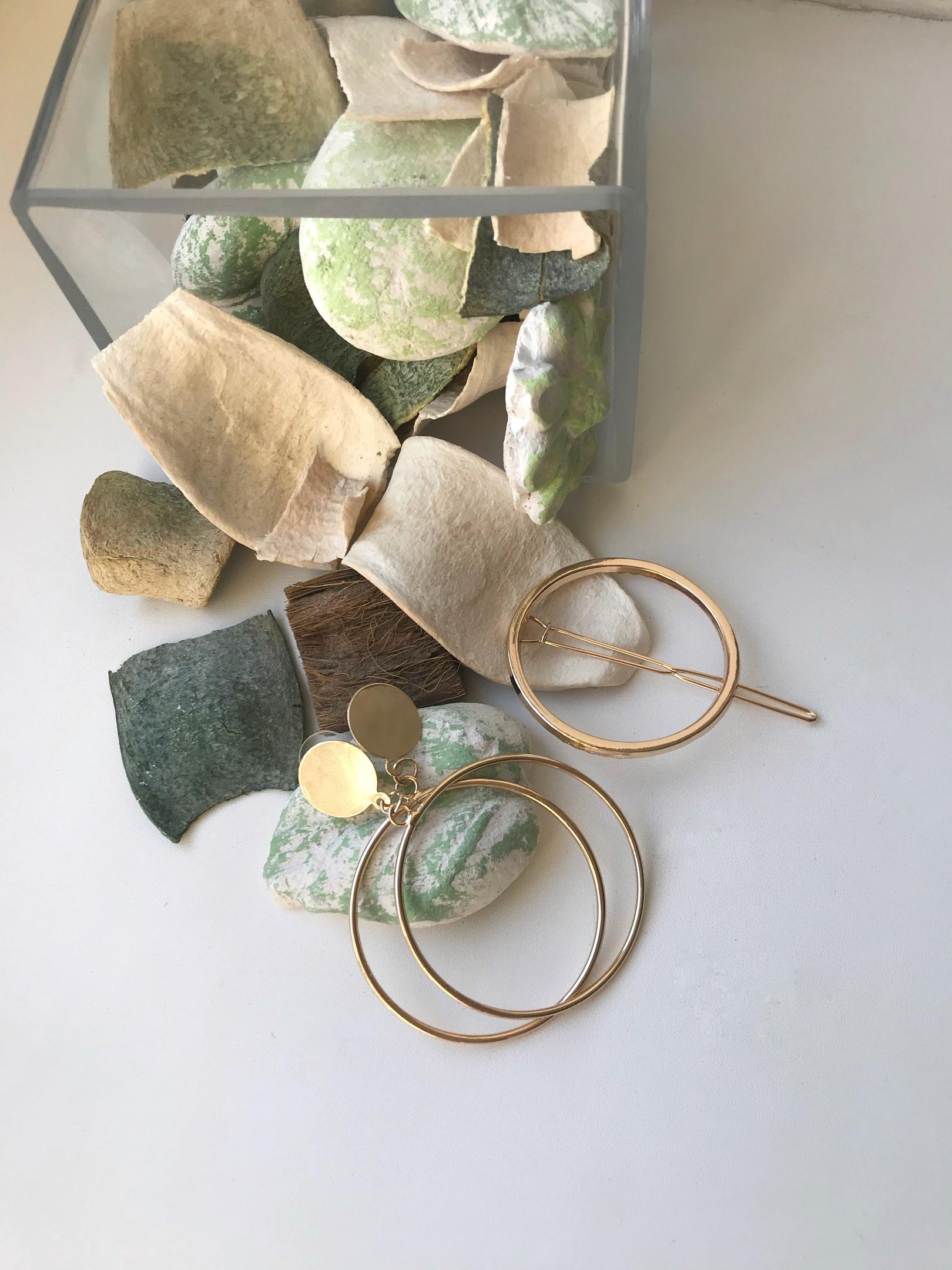Золотые серьги-кольца за 200 рублей из магазина BerryGo
