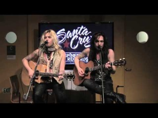 SANTA CRUZ We Are The Ones To Fall Acoustic Live   Metal Injection