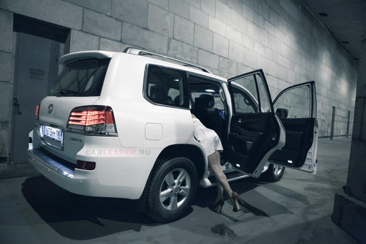 В Lexus LX 570 можно пропасть с концами. 2 метра ширины.