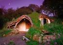 Архитектор-самоучка Саймон Дейл с помощью своего родственника самостоятельно построил в ле…