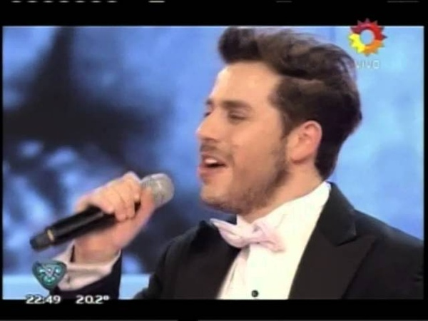 Fernando Dente canta Vivir enamorados