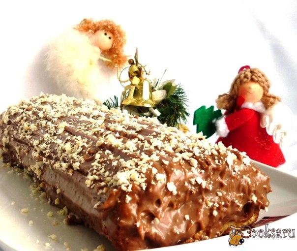 Воздушный бисквит с насыщенным шоколадным кремом отлично подойдут к чаепитию в Рождественский вечер.Попробуйте- вы не останетесь равнодушными!