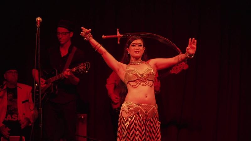 Танец с мечом 04 Kae Montgomery - Golden Earrings by Junk Parlor - Hubba Hubba Revue's Uptown Cabaret 8/25/2018