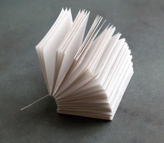 Как сделать маленькую книжку из бумаги своими