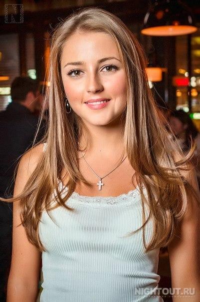 Алена хмельницкая: http://gdrivesteyou.us/nine-december/alena_hmel_nickaya.pdf