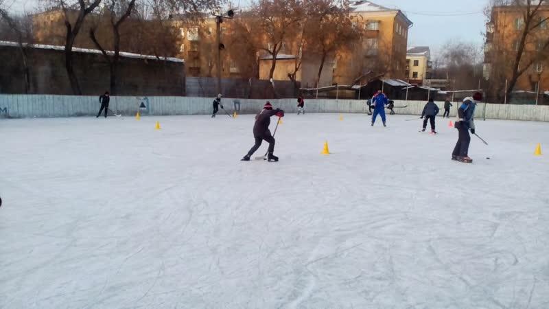 Детская хоккейная команда ОРЛАН Магнитогорск, тренер мастер спорта Гладских Евгений.