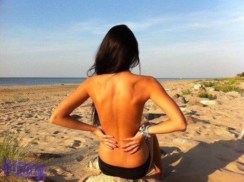 Красивые фото со спины девушек в быту