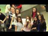 Офигеть!))) Старушки танцуют твист!! Флешмоб Flashmob