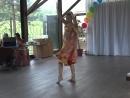Участница конкурса РАДУГА НАД ВОЛГОЙ исполняет индийский танец