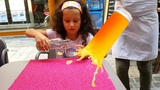 ВЛОГ: Алис КУПАЕТ куклу ЛОЛ в ФОНТАНЕ! Официантка ПРОЛИЛА МИЛКШЕЙК! Наш ОБЫЧНЫЙ День ВИДЕО для ДЕТЕЙ