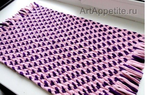 Текстильный коврик из косичек (5 фото) - картинка