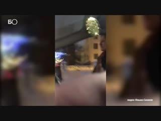 Конфликт нетрезвой пассажирки и таксиста в Казани попал на видео
