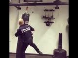 Не шутите с полицией. Особо, когда он ниндзя-полицейский.