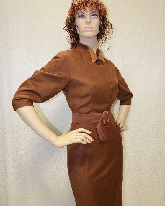 Это платье мы сшили для нашей постоянное заказчицы,она очень любит платья 40-60 годов.