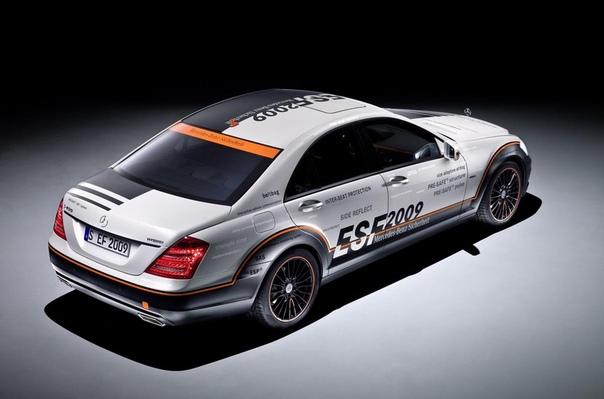 Mercedes-Benz построит «неубиваемый» автомобиль В середине этого года компания Mercedes-Benz представит новый шоу-кар, построенный в рамках проекта по созданию абсолютно безопасного автомобиля