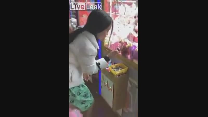 Claw game.