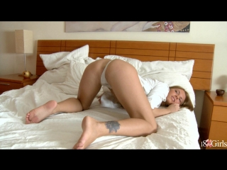 Megan vale - takes on some anal beads