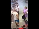 В Волжском объявлен в розыск мужчина, ударивший наотмашь продавца в торговом центре Китай-Город.
